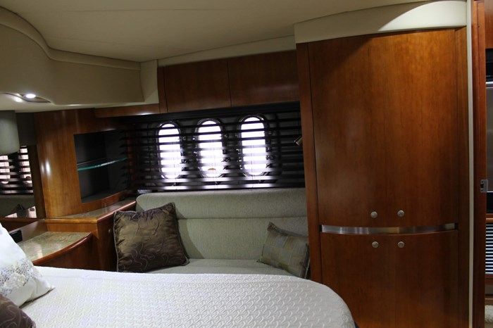 2008 Cruisers Yachts 520 Express Photo 23 sur 38