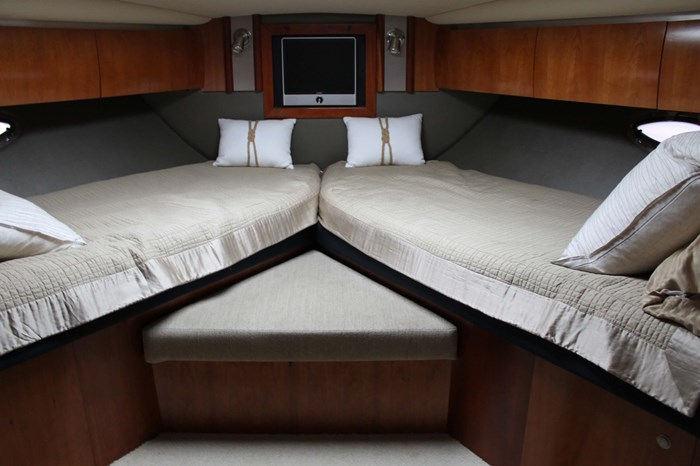 2008 Cruisers Yachts 520 Express Photo 26 sur 38