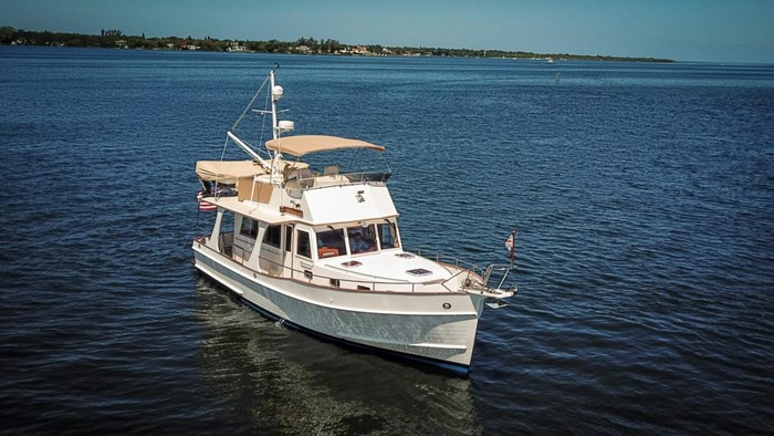 2004 Grand Banks Europa 42 Photo 9 sur 86