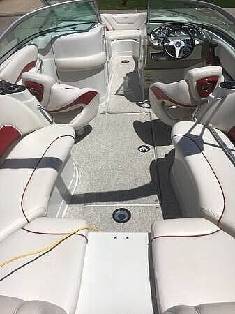 2008 Crownline 240LS Photo 3 sur 13