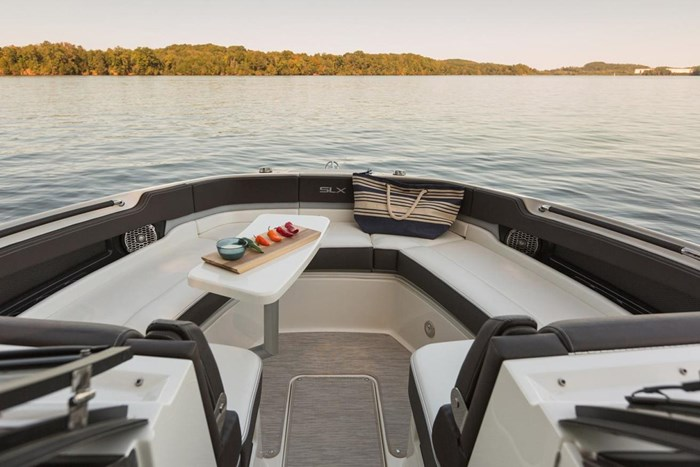 2016 Sea Ray SLX 310 Photo 8 of 27