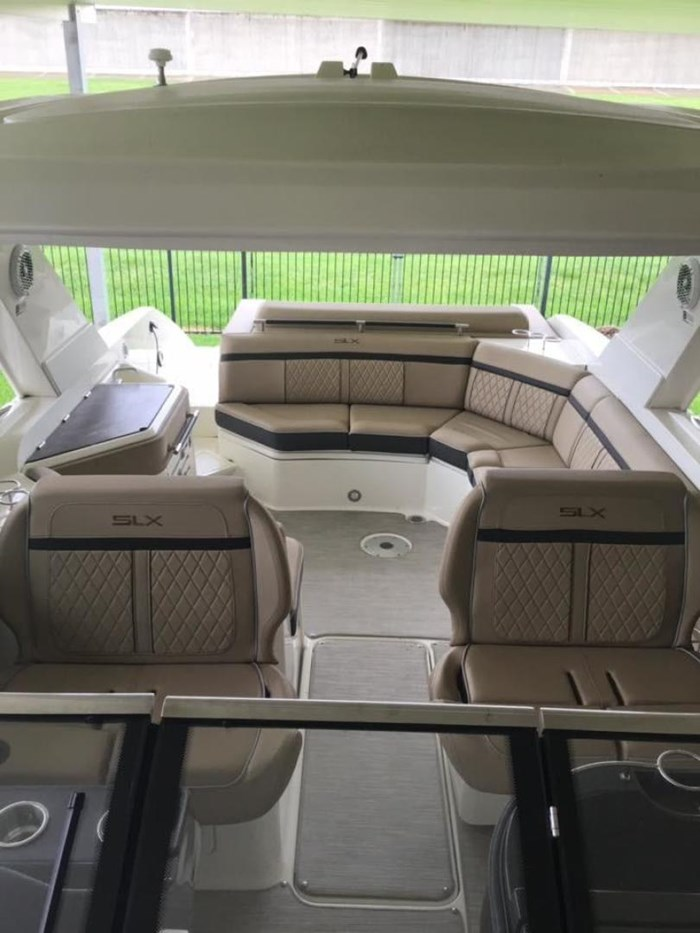 2016 Sea Ray SLX 310 Photo 24 of 27