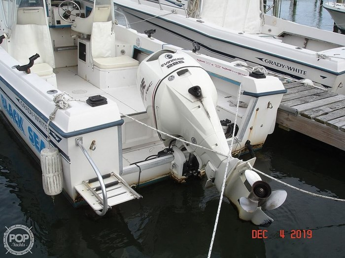 1990 Grady-White 240 Offshore Photo 5 sur 20