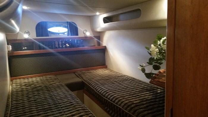 2003 Cruisers Yachts 3870 Express Photo 14 of 36