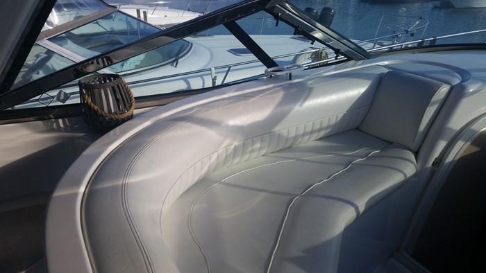 2003 Cruisers Yachts 3870 Express Photo 22 of 36