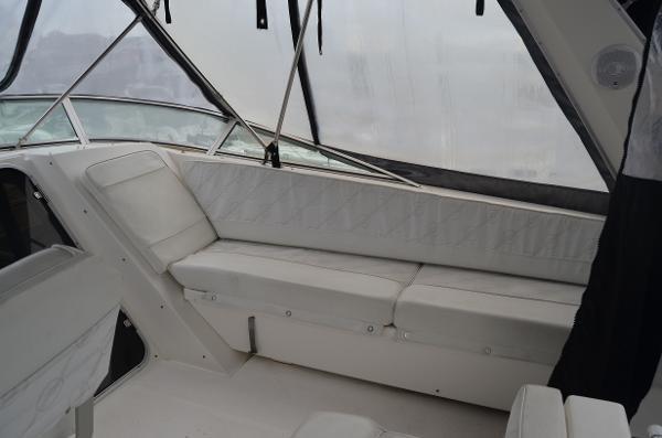 1998 Bayliner 4788 Pilot House Motoryacht Photo 24 of 35