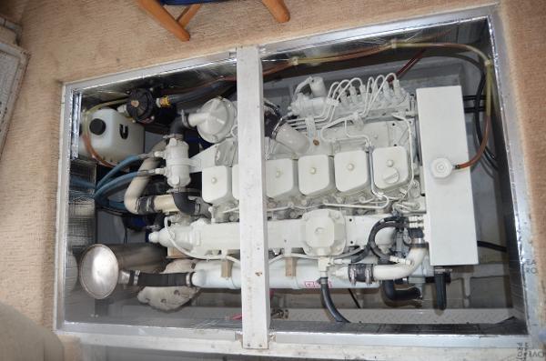 1998 Bayliner 4788 Pilot House Motoryacht Photo 35 of 35