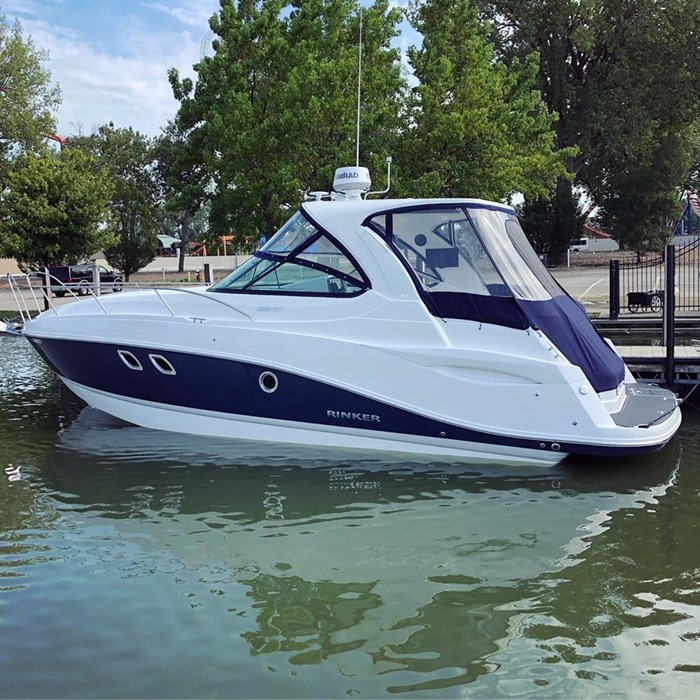 2020 Rinker 320 EX Photo 2 of 19