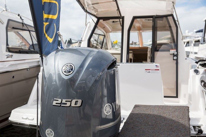 2019 CUTWATER C-242 COUPE SE Photo 3 of 6