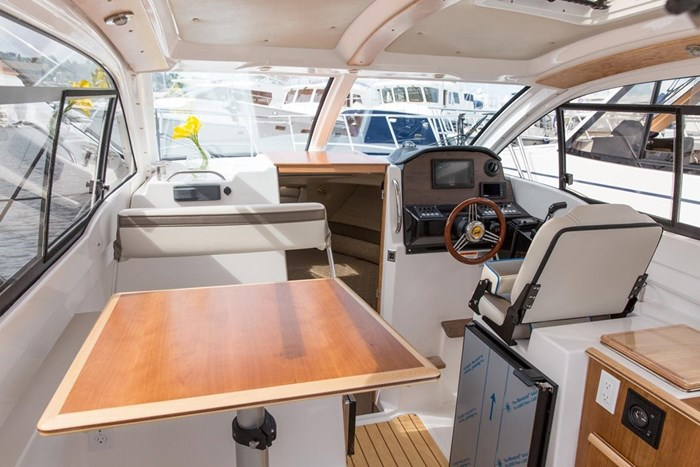 2019 CUTWATER C-242 COUPE SE Photo 5 of 6