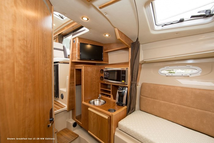 2020 CUTWATER C28 LUXURY EDITION Photo 4 of 7