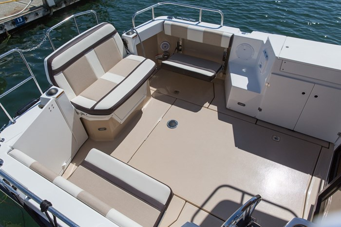 2020 CUTWATER C28 LUXURY EDITION Photo 7 of 7
