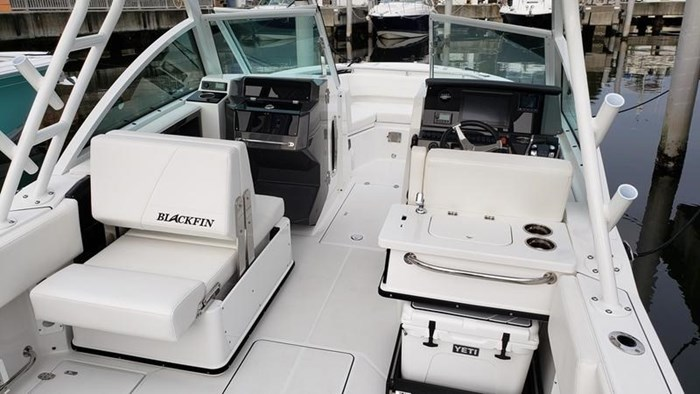 2020 Blackfin 242DC Dual Console Photo 9 of 28