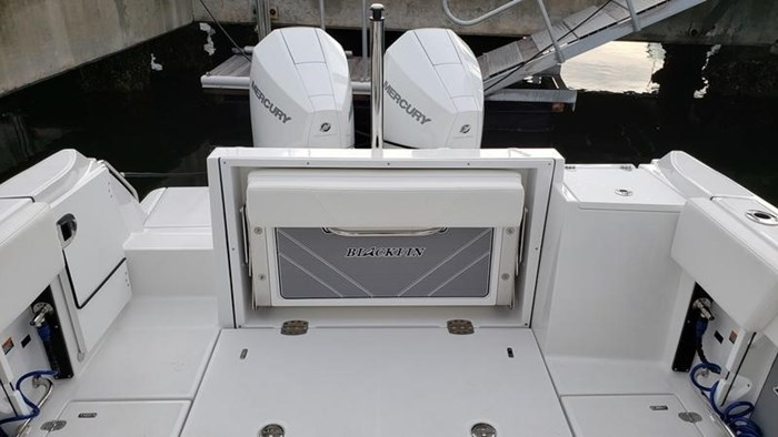 2020 Blackfin 242DC Dual Console Photo 10 of 28