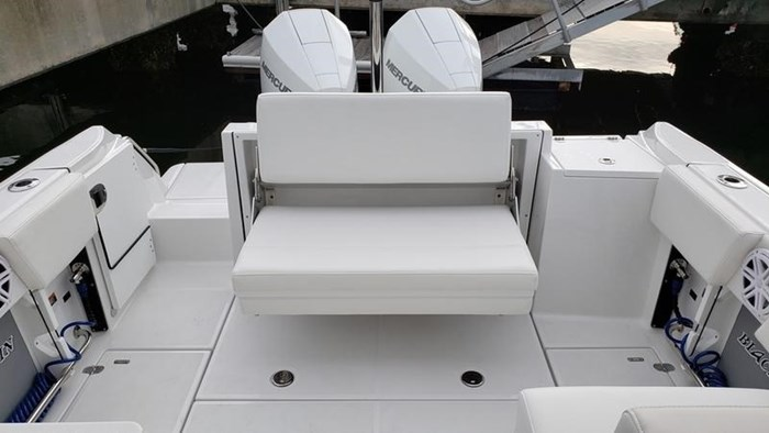 2020 Blackfin 242DC Dual Console Photo 11 of 28