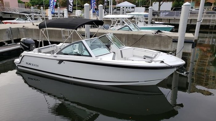 2020 Blackfin 242DC Dual Console Photo 26 of 28