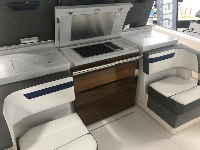 2019 Tiara Sportboats 38 LS Photo 8 of 10