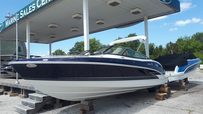 2020 Formula 240 Bowrider Photo 1 of 14