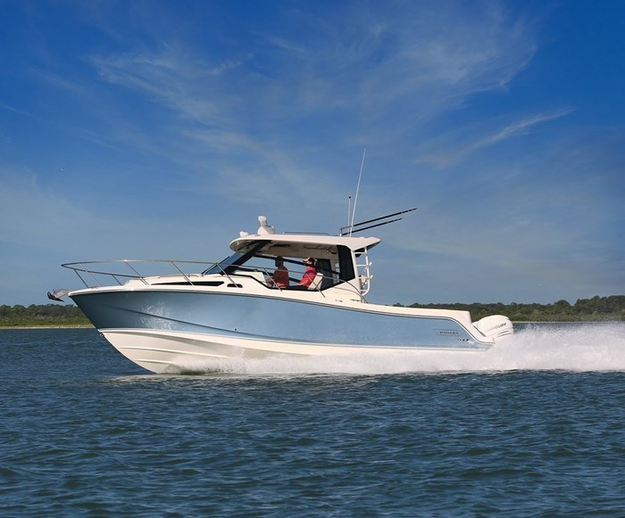 2020 Boston Whaler 325 Conquest Photo 1 of 9