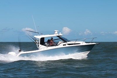 2020 Boston Whaler 325 Conquest Photo 2 of 9