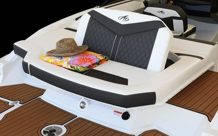 2020 Monterey 238SS Bowrider Photo 3 of 8