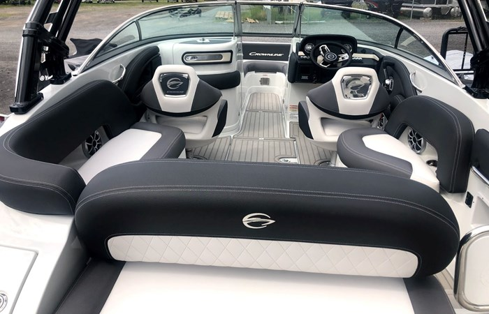 2020 Crownline E235 Surf Photo 5 of 26