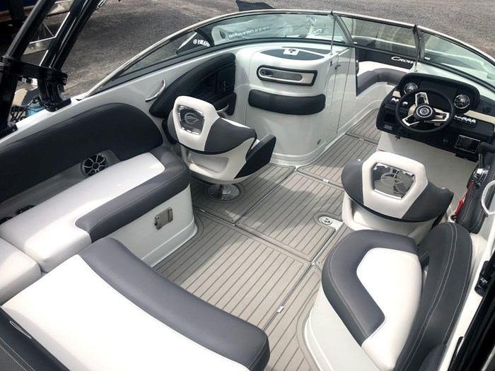 2020 Crownline E235 Surf Photo 6 of 26