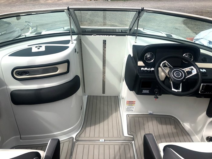 2020 Crownline E235 Surf Photo 7 of 26