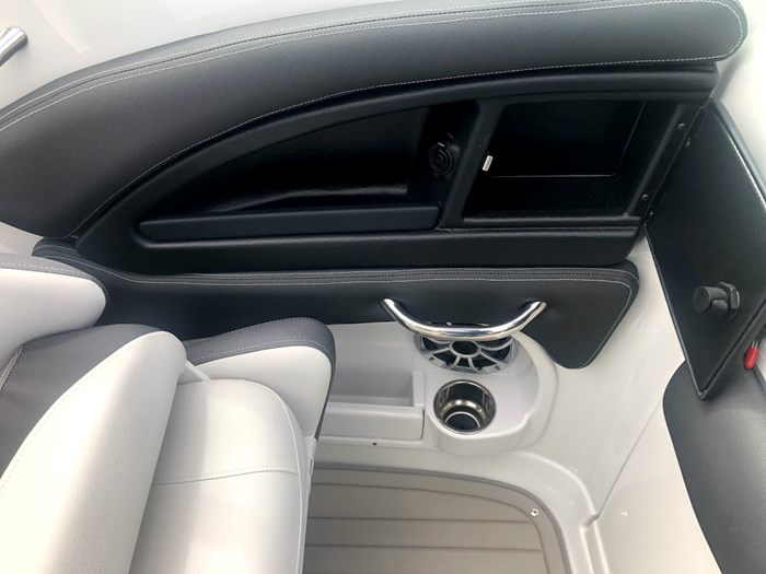 2020 Crownline E235 Surf Photo 16 of 26