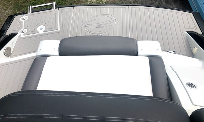 2020 Crownline E235 Surf Photo 22 of 26
