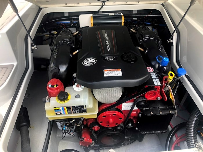 2020 Crownline E235 Surf Photo 25 of 26