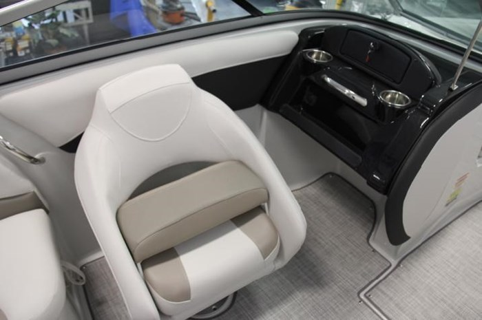 2020 Crownline 205 SS Photo 5 of 17