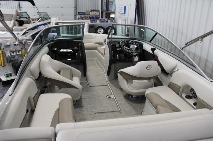 2020 Crownline 205 SS Photo 14 of 17