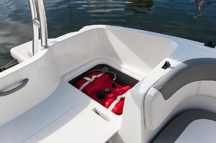 2020 Bayliner E16 Photo 7 of 9