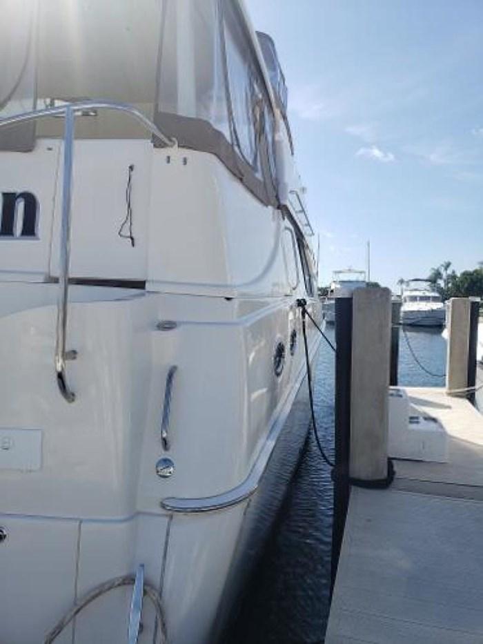 2003 Silverton 453 Motor Yacht Photo 4 of 60