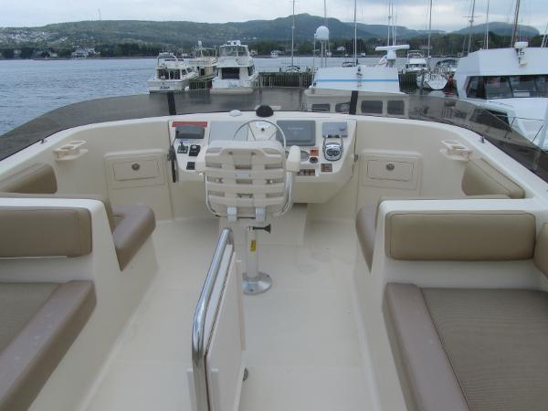 2006 Mainship 40 Trawler Photo 10 sur 37