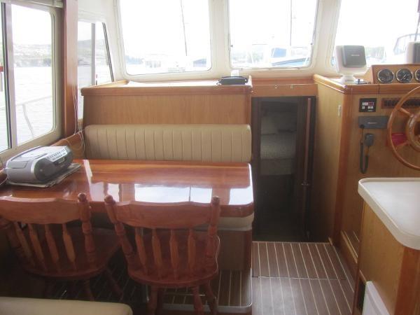 2006 Mainship 40 Trawler Photo 13 sur 37