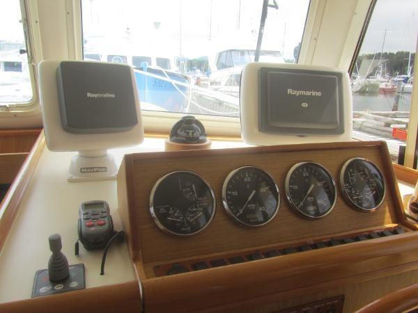 2006 Mainship 40 Trawler Photo 16 sur 37