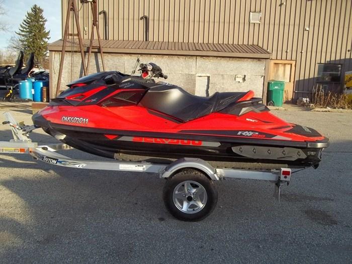 2017 Sea-Doo RXP®-X® 300 Photo 2 sur 4