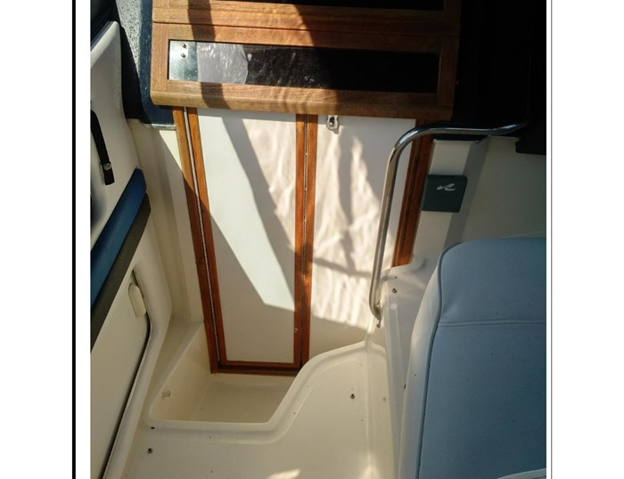 1990 Sea Ray 270 Sundancer MC Photo 12 of 25