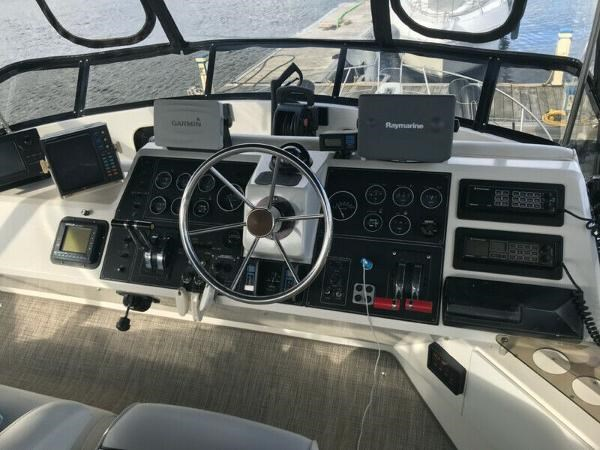 1990 Carver 360 Aft Cabin Photo 3 of 24