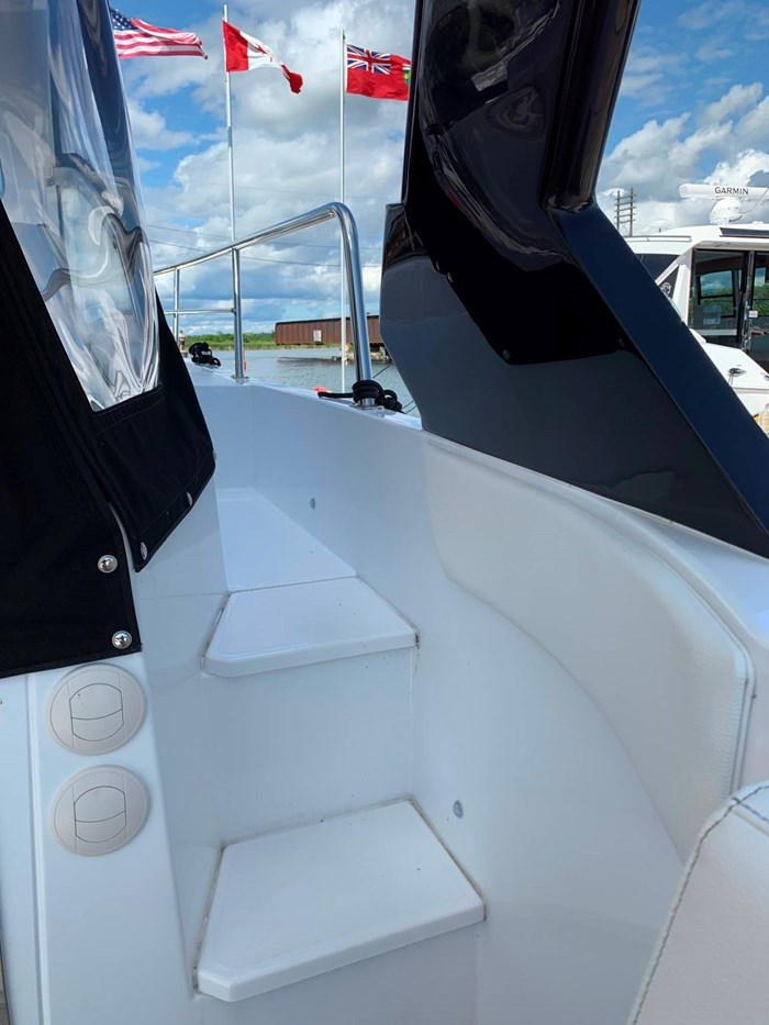 2020 Cruisers Yachts 390 Express Cruiser Photo 13 sur 50