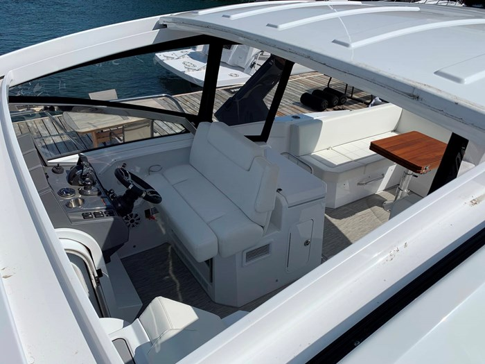 2020 Cruisers Yachts 390 Express Cruiser Photo 28 sur 50