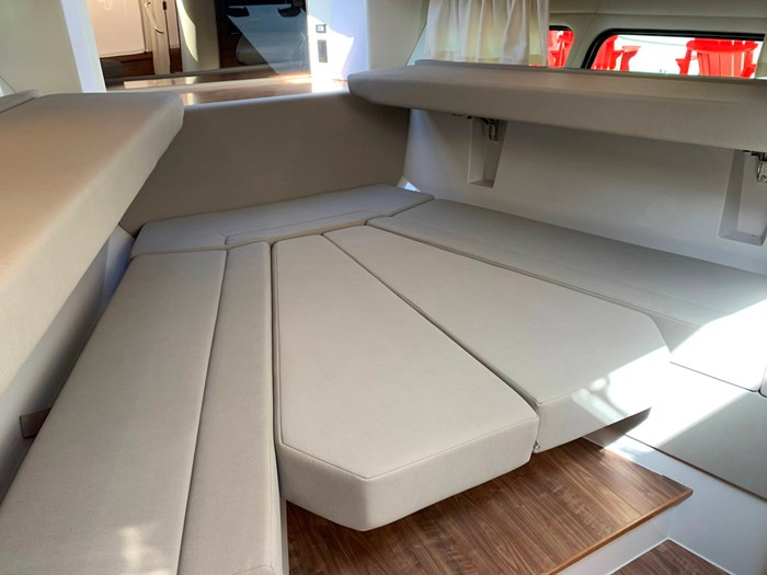 2020 Cruisers Yachts 390 Express Cruiser Photo 33 sur 50