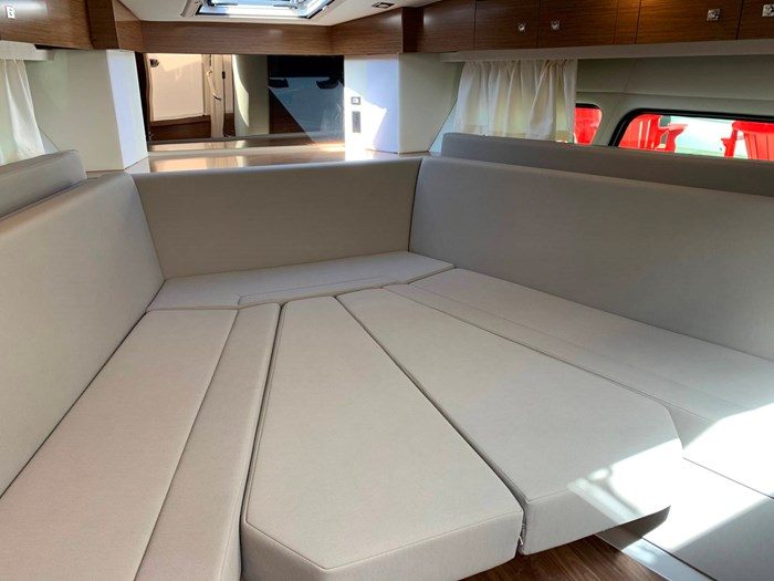 2020 Cruisers Yachts 390 Express Cruiser Photo 34 sur 50