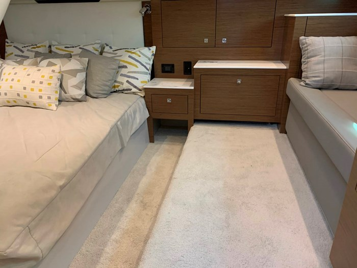 2020 Cruisers Yachts 390 Express Cruiser Photo 37 sur 50