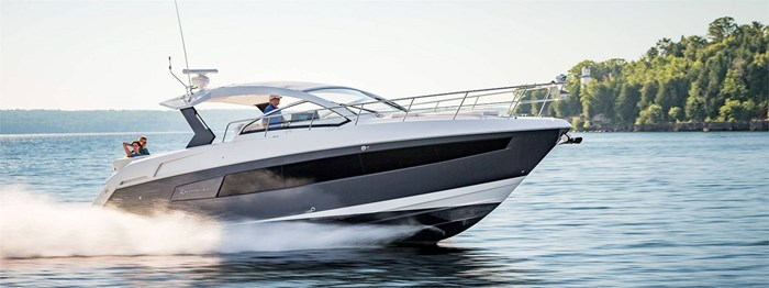 2020 Cruisers Yachts 390 Express Cruiser Photo 1 of 18
