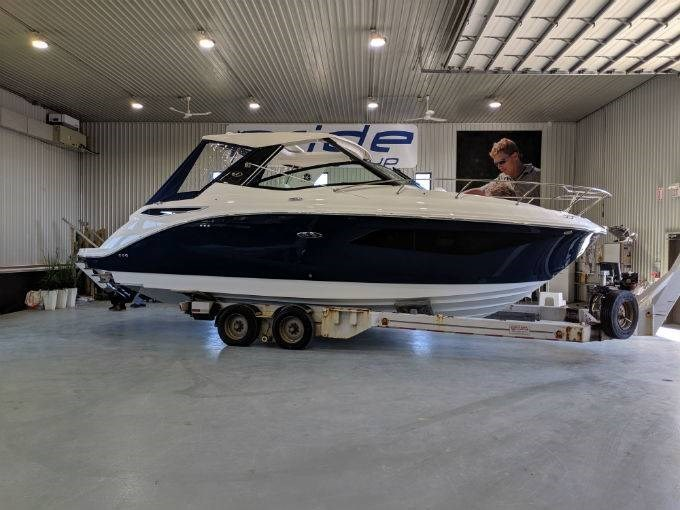 2020 Sea Ray 320 SUNDANCER Photo 1 of 33