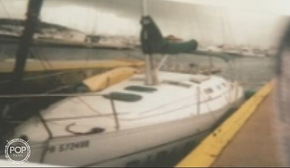 2005 Beneteau 323 Photo 2 sur 16