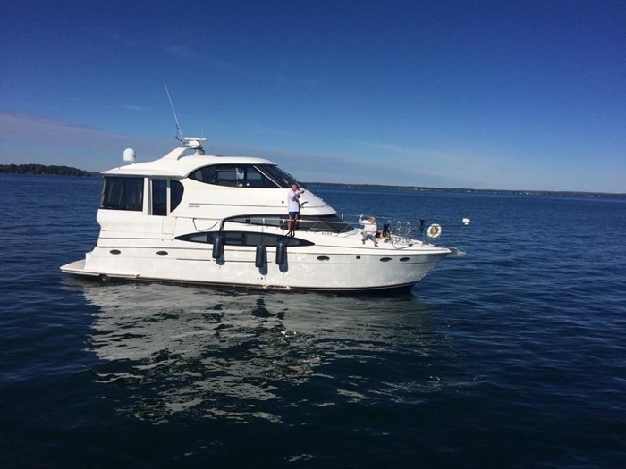 2000 Carver 506 Motor Yacht Photo 1 of 56